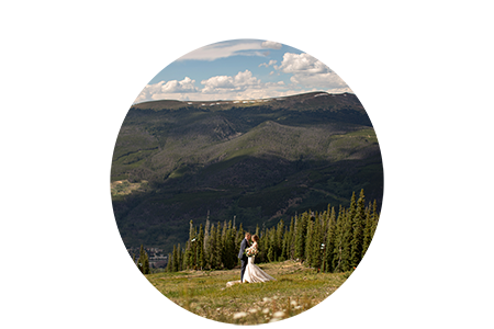Colorado-wedding-photographer-alpenglow-stube-wedding-in-august